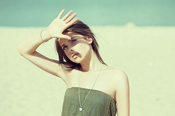 Phụ nữ hiện đại muốn tóc suôn mượt cần ghi nhớ chống nắng cho tóc