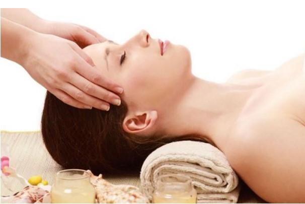 Cách làm tóc mọc dài nhanh và dày bằng cách massage da đầu
