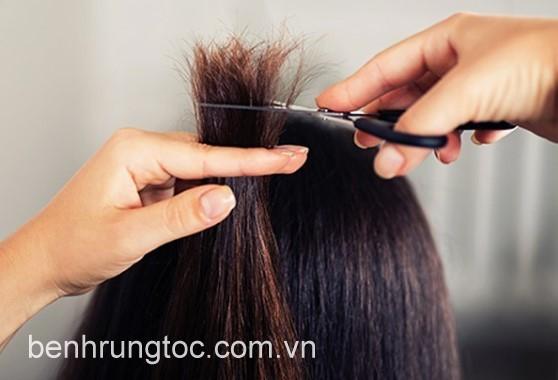 cắt tỉa giúp loại bỏ tóc chẻ ngọn