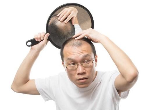 Massage da đầu thường xuyên giúp tóc mọc nhanh hơn