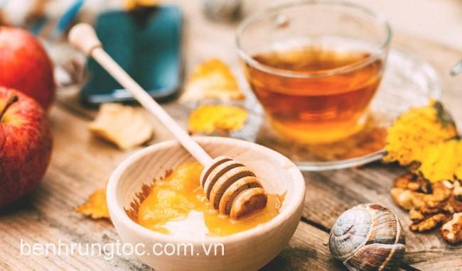 mật ong và giấm táo cải thiện tóc khô xơ