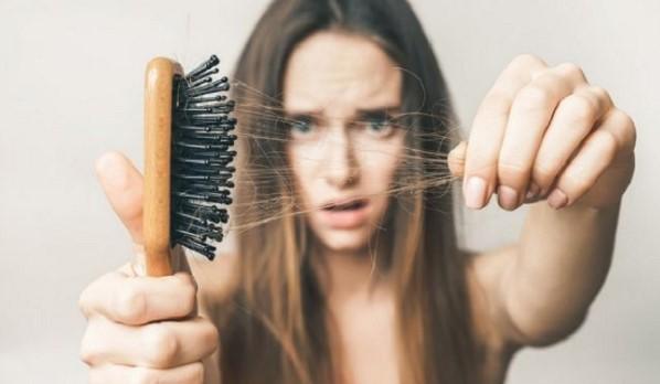 Rụng tóc là nỗi lo của nhiều chị em hiện nay