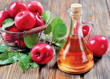 rượu táo chữa rụng tóc từng mảng