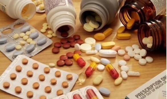 sử dụng thuốc quá nhiều gây hói đầu sớm