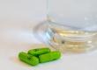 Đang uống thuốc trị bệnh loét dạ dày có uống cùng lúc với Green Hair được không?