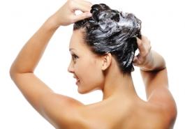 Gội đầu ngược – bí quyết cho mái tóc óng ả, bóng mượt hơn