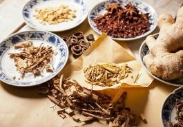10 bài thuốc Đông y chữa bệnh rụng tóc hiệu quả và an toàn ngay tại nhà
