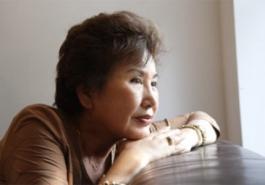 Rụng tóc ở phụ nữ tiền mãn kinh: Phòng còn hơn chống