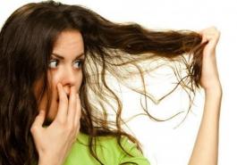 Rụng tóc – Thủ phạm đánh cắp sự tự tin của phái đẹp
