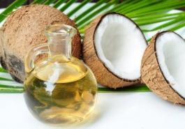 Học nhanh mẹo trị rụng tóc với dầu dừa