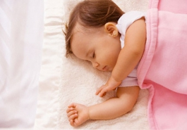 Làm thế nào để ngăn chặn rụng tóc ở trẻ sơ sinh?