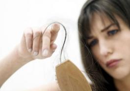 Giải mã tình trạng rụng tóc sau sốt xuất huyết