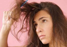 Cách chọn dầu gội cho mái tóc bị chẻ ngọn, khô rối