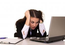 Stress kéo dài khiến tóc rụng nhiều