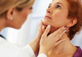 Tóc rụng nhiều là biểu hiện của bệnh gì?