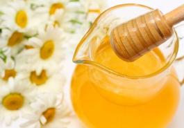 Đừng xem thường khả năng dưỡng tóc của mật ong