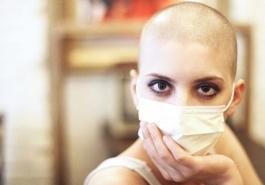 Ung thư có gây rụng tóc?