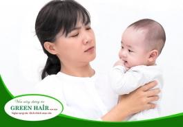 Nguyên nhân rụng tóc sau sinh và cách khắc phục