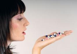 Các loại thuốc chữa rụng tóc thường dùng