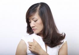 Đối phó với tình trạng rụng tóc ở phụ nữ tuổi trung niên
