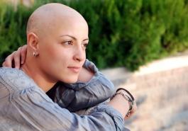 Học cách đối phó với tình trạng rụng tóc do ung thư