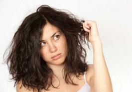 Nguyên nhân gây ra tóc khô xơ chẻ ngọn